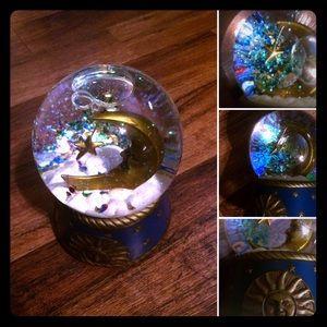 🦋2/$10 3/$15 4/$18 5/$20 Vintage 🌙 Moon Globe